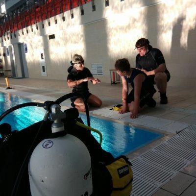 Пробное погружение в бассейне